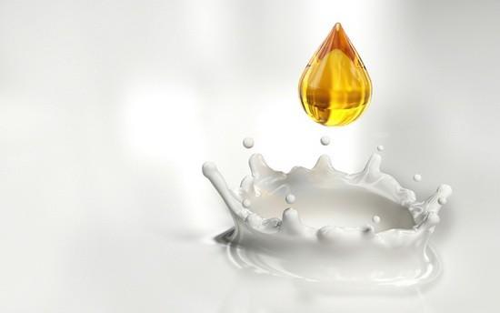Молоко с медом - бабушкин рецепт от боли в горле