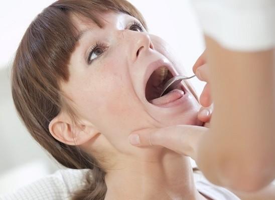 Девушке глотать сперму