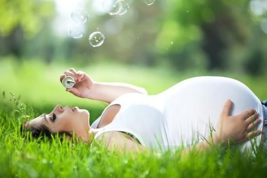 Фарингит при беременности может принести непоправимый вред здоровью будущей матери, а также ее малышу