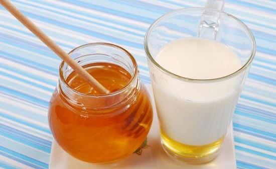 При ангине пища должна иметь жидкую или кашеобразную консистенцию