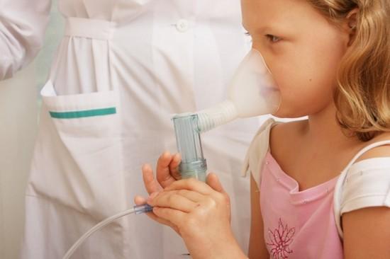 При сухом кашле рекомендуются различные методы физиотерапии