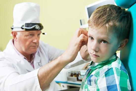 Воспаление уха при отите