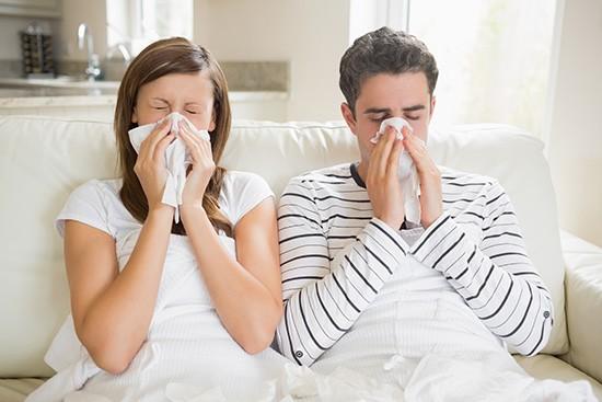 Заболевание передается воздушно-капельным путем