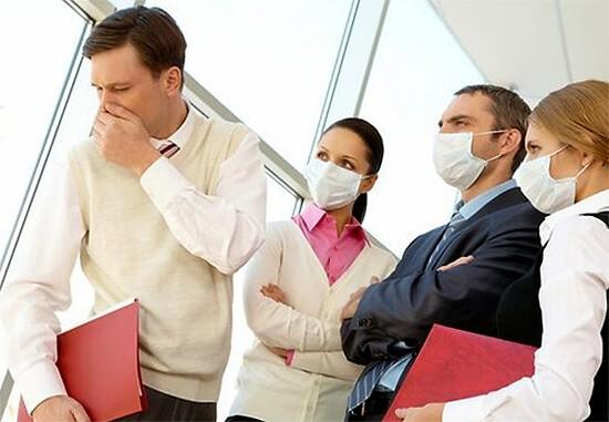 Тонзиллит: заразен или нет для окружающих? Как передается хронический тонзиллит