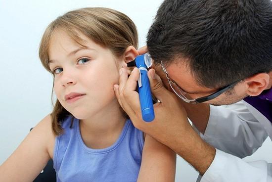 Отоскопия ребенку