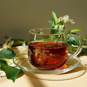 Травяной чай с настолько прополиса