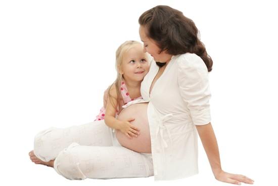 При ангине у детей можно использовать амоксициллин буквально с рождения.