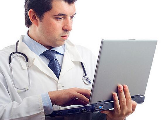 Врач установит причину развития ларингита и подберет оптимальное лечение