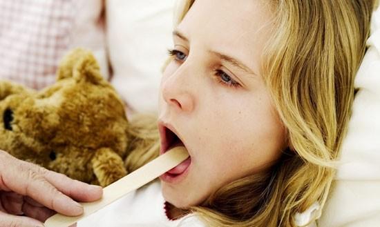 осложнения после ангины можно предотвратить, если лечение проходит правильно